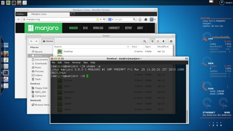 Tampilan desktop Xfce dengan beberapa aplikasi yang sedang terbuka